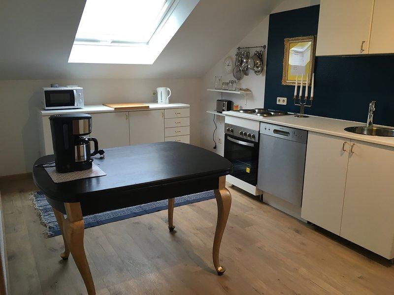 Wohnung mit 2 Schlafzimmern und viel Platz - geschmackvoll!, vacation rental in Neunkirchen