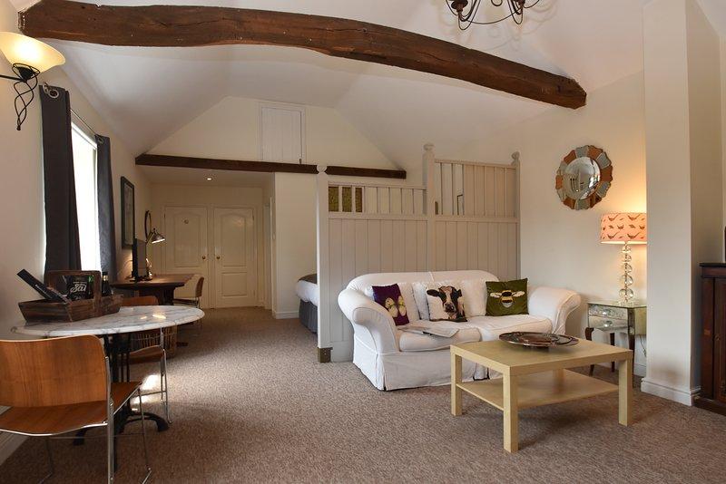 Daisy Cottage Sleeps, Rye, East Sussex UK  Quiet location with garden & parking, vacation rental in Icklesham
