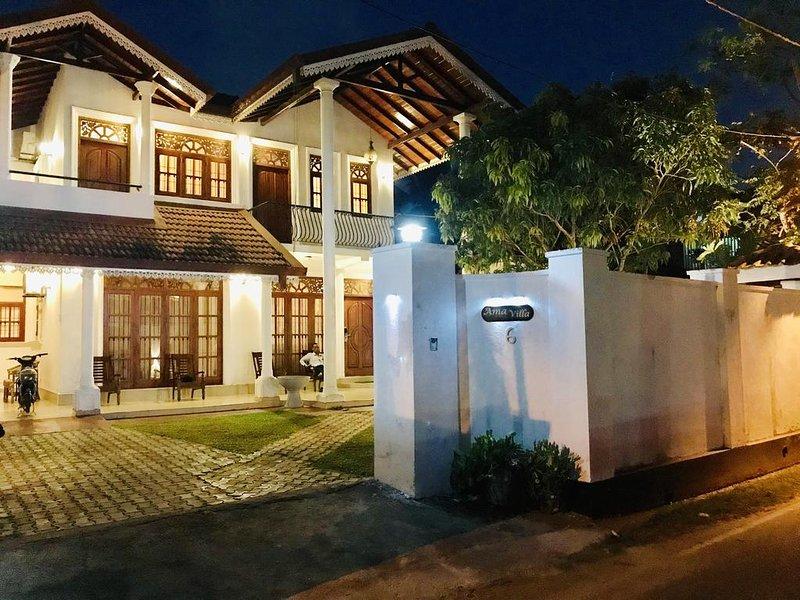 Spacious house near the beach, alquiler vacacional en Negombo