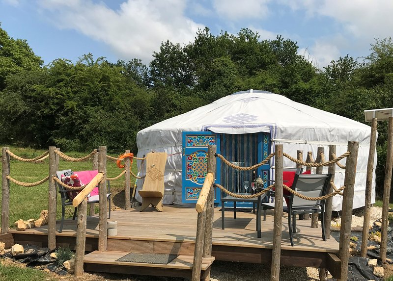 French Fields Luxury Glamping, holiday rental in Pleuville