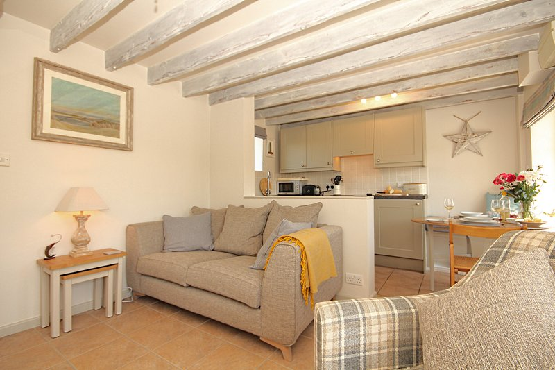 A period fisherman's Cottage for 2 in Stiffkey with garden & small parking space, vacation rental in Warham