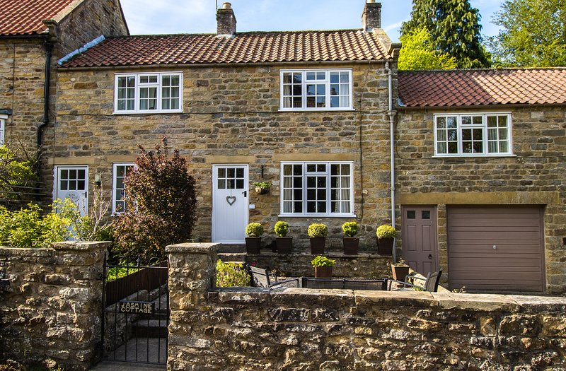 Jamine Cottage Lastingham, holiday rental in Cropton