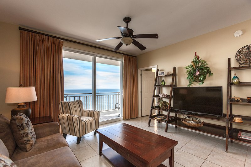 Splash Luxury Oceanfront Condo w/ Master on Gulf!, alquiler de vacaciones en Panama City Beach