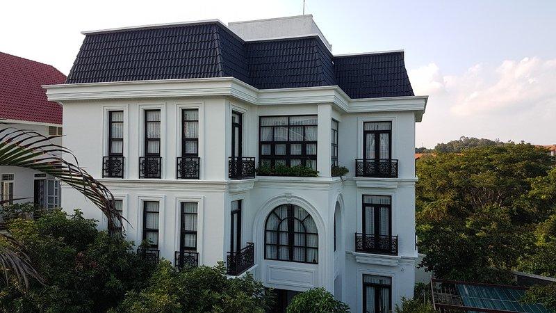 Vihomes villa, location de vacances à Phuoc Hai