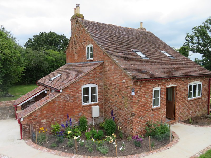 Allisons Cottage, at Rymes Farm,  near Newent, holiday rental in Forest of Dean