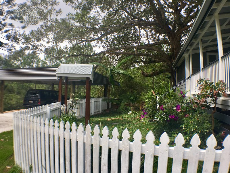 Historical Settlers Cottage front garden