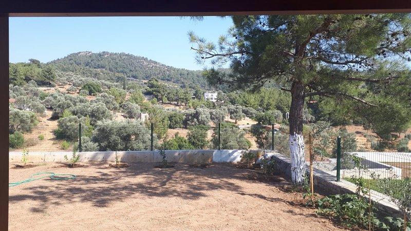 Doğa içinde müstakil tek kat villa, holiday rental in Camlik