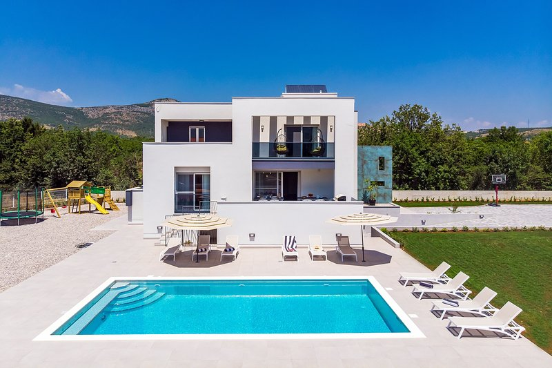 Villa Marijeta exclusive 5 star villa with 50sqm private pool, 6 bedrooms