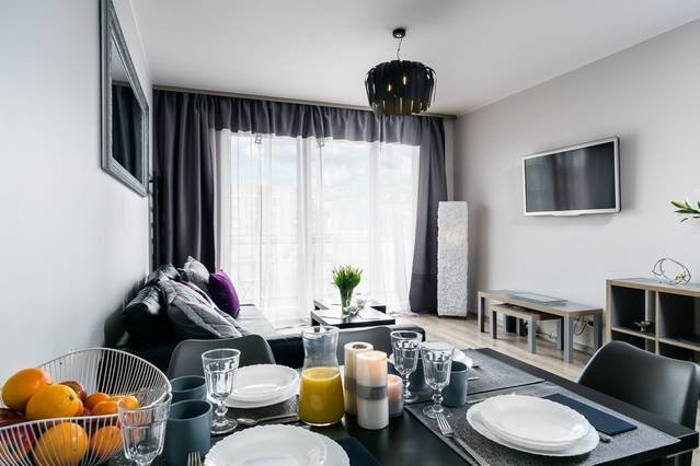 Elite Apartments Misty | balcony  & free parking included | CENTER, alquiler vacacional en Gdansk