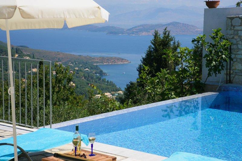 Sarakinatika Villa Sleeps 4 with Pool Air Con and WiFi - 5604804, holiday rental in Vigla