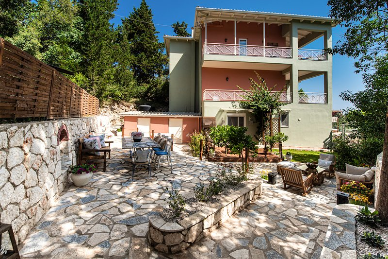 Lygia Villa Sleeps 10 with Pool and Air Con - 5782307, holiday rental in Spanochori