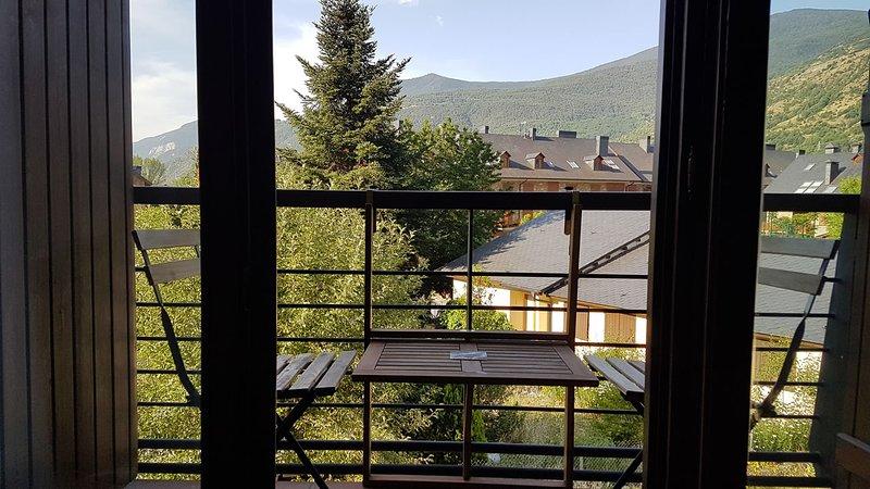 Family Duplex Esterri d'Aneu – semesterbostad i Isil