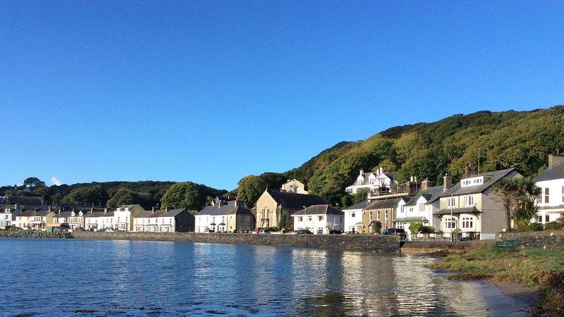 Welcome to the idyllic hamlet Borth y Gest in coastal Snowdonia
