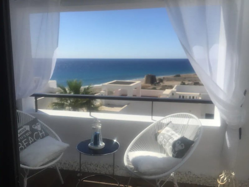 Amazing house with shared pool, holiday rental in Playa Macenas