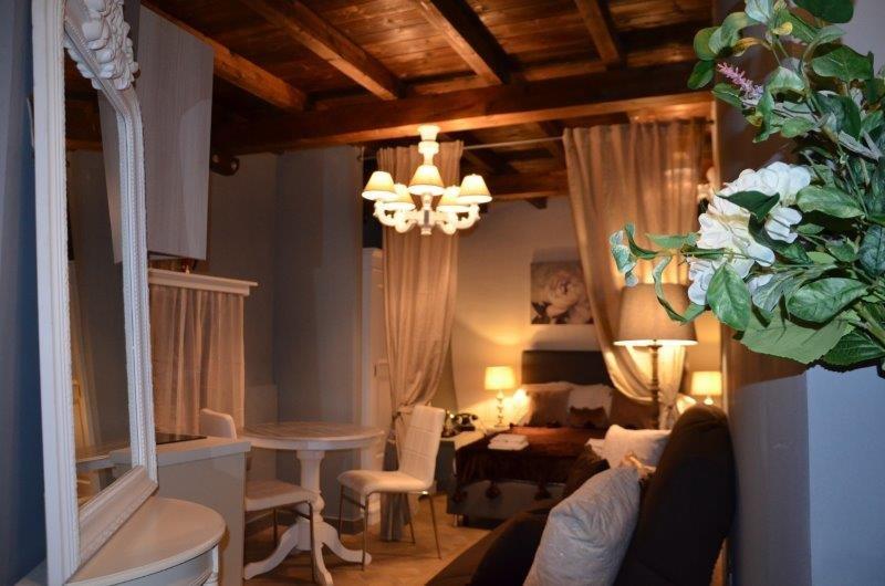 Meraviglioso Monolocale in centro storico a Terracina, vakantiewoning in Porto Badino