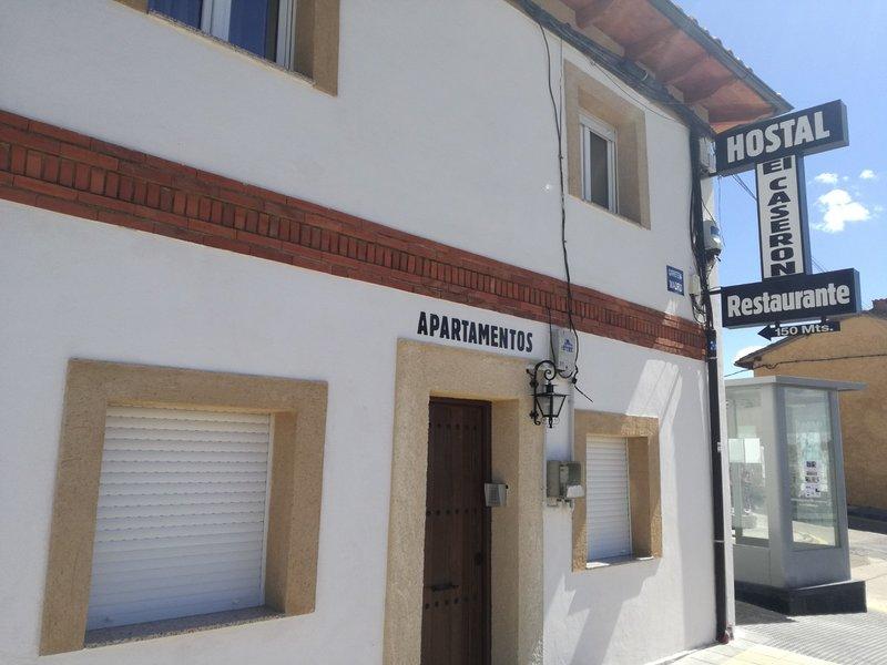 Hostal El Caserón, Estudio 3 pax A, vakantiewoning in Valdevimbre