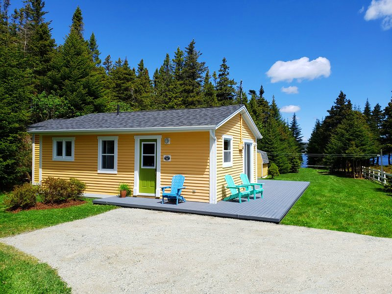 Gallows Cove Cottage: al lado del océano, a minutos a pie de East Coast Trail y Ecological Reserve.