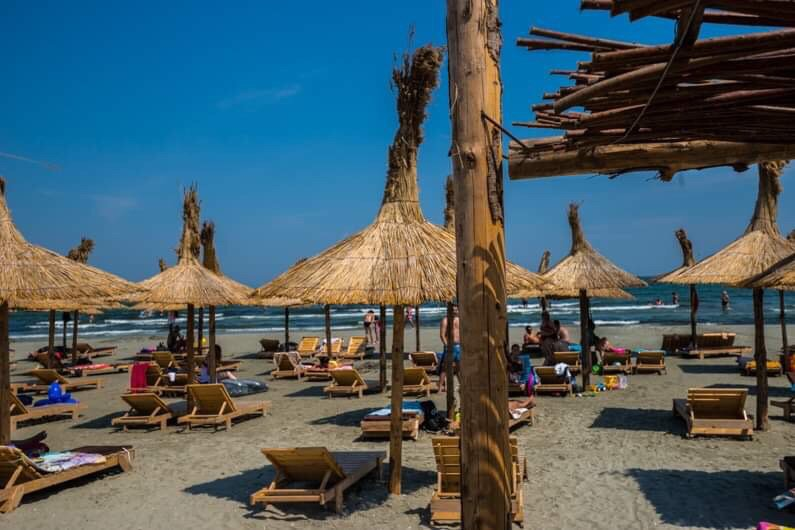 Strange House Mamaia North, holiday rental in Mamaia