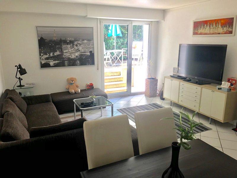 Möblierte 2 Zimmer Wohnung Appartement  mit eigene Terrasse in Wuppertal, alquiler vacacional en Wuppertal