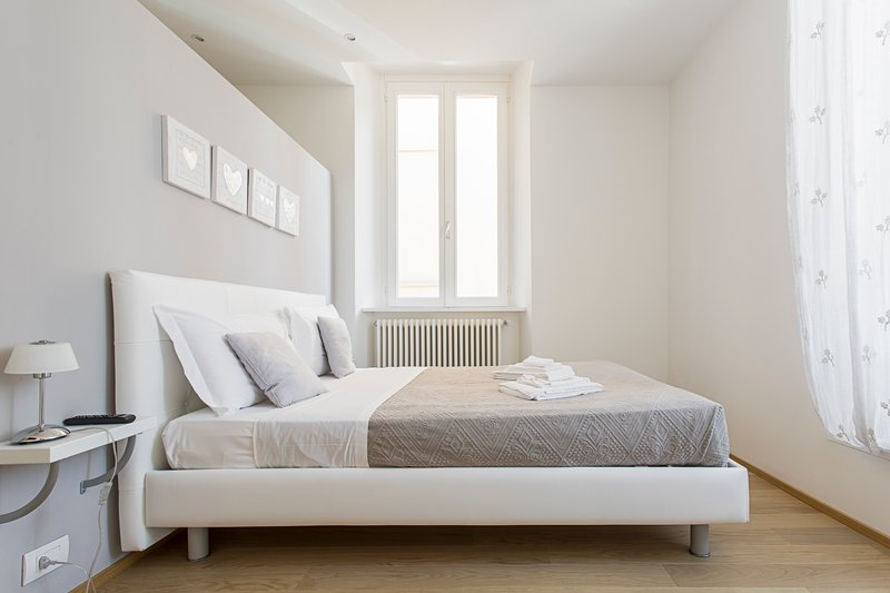 MT DreamingComoLake - EMMA, holiday rental in Brunate