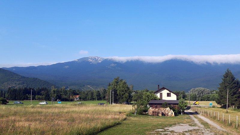 Guesthouse Ella, vacation rental in Vrelo Korenicko