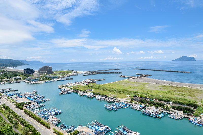 Amazing views of Wushi Harbour 烏石港的壯麗景色