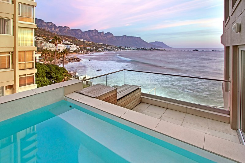 Clifton Views - Magnificent panoramic views of the Atlantic Ocean, location de vacances à Bantry Bay