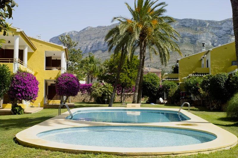 El Cau del Montgó (Bungalow), holiday rental in Denia