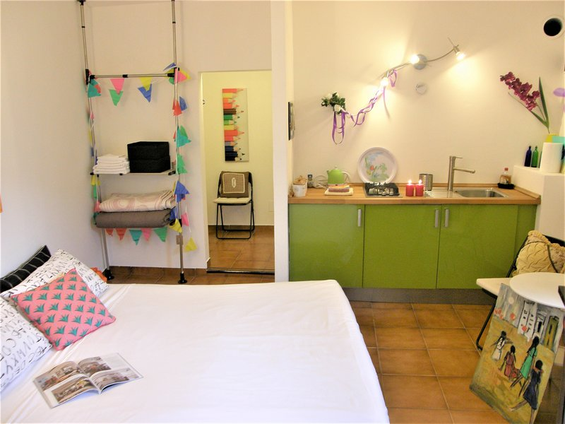 Toscana - Lovely private couples' apartment. LGBTQ welcome, location de vacances à Mulazzo