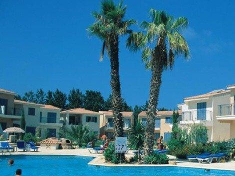 2 Bed Apartment - Paradise Gardens (239), alquiler vacacional en Pafos