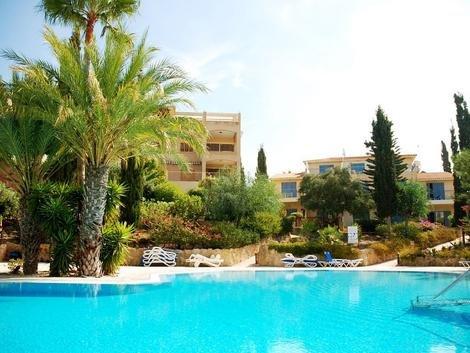 2 Bed Apartment - Regina Gardens (004), holiday rental in Paphos