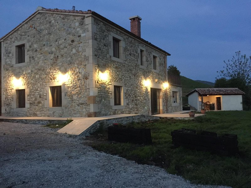 Casa rural costalisa, casa vacanza a Santa Maria de Cayon