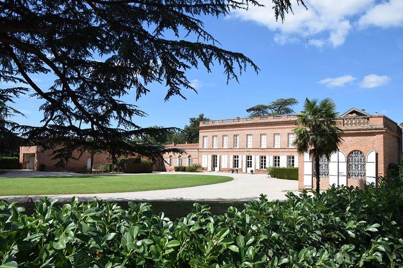 Château Lavalade - Lieu de réception et logements de charme (Tarn et Garonne), holiday rental in Meauzac