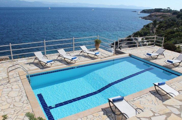 Villa Skipper & Emmanuella, Ocean Front villas, aluguéis de temporada em Gaios