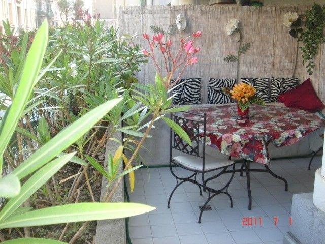 Nice apartment with terrace & Wifi, casa vacanza a Falicon
