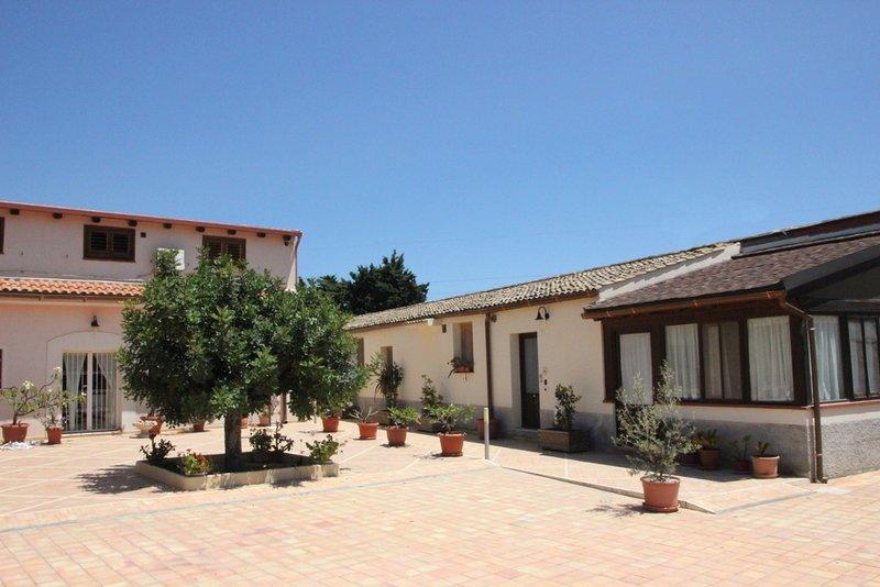 ACHEI Resort 'Febe', holiday rental in Citta Giardino