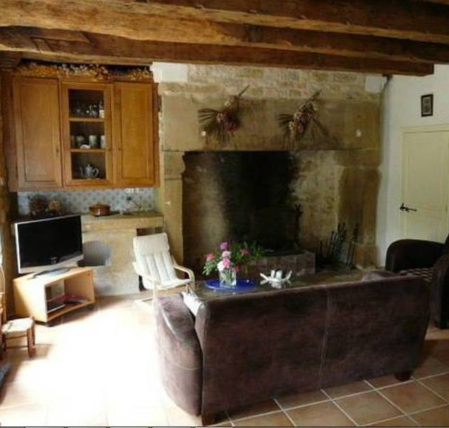 Nice house with garden & terrace, holiday rental in Chartrier-Ferriere