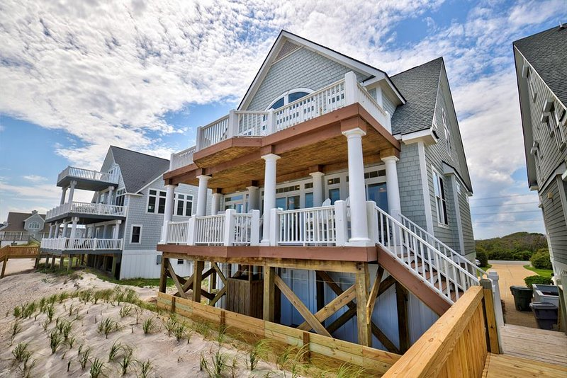 Island Drive 4246 Oceanfront! | Internet, Community Pool, Hot tub, Jacuzzi, holiday rental in North Topsail Beach
