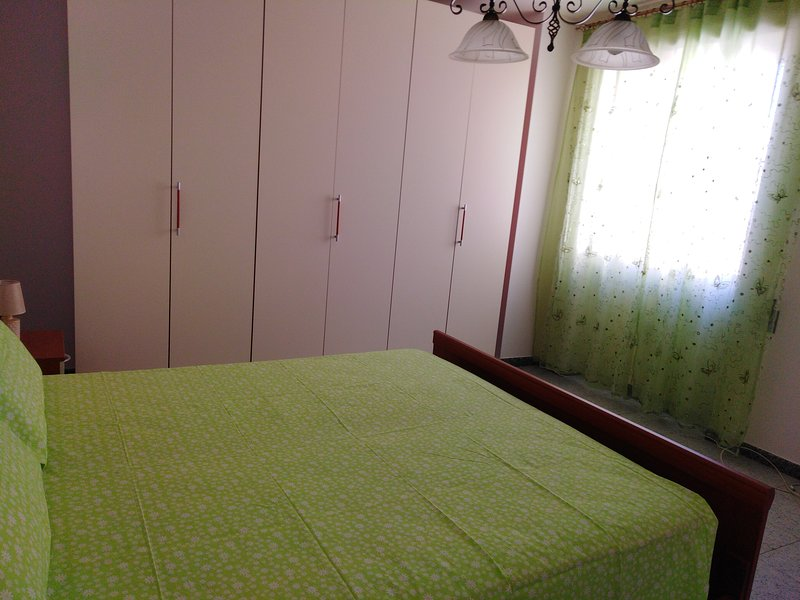 Spacious apt with balcony, holiday rental in Montesano Salentino