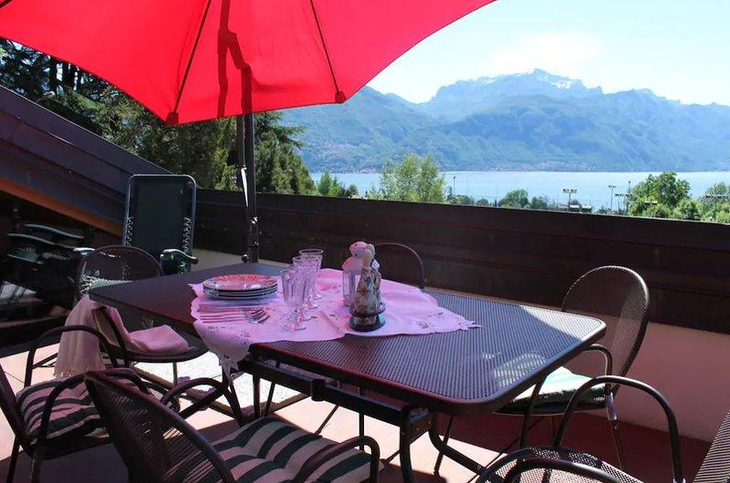 Amazing apartment with terrace, alquiler vacacional en Grandola ed Uniti