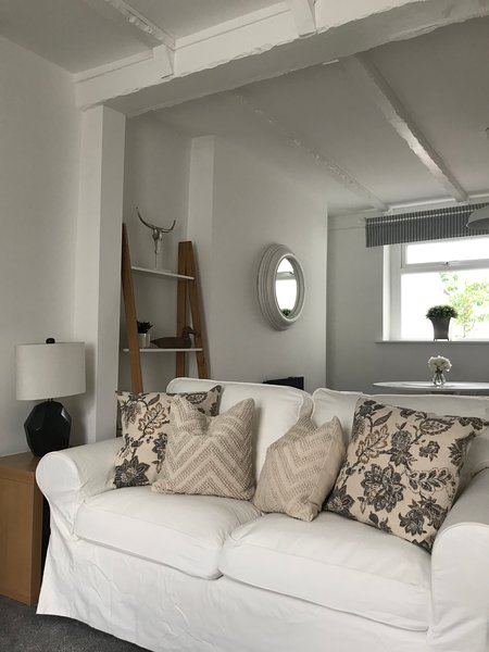Starbuck Cottage, holiday rental in Penarth