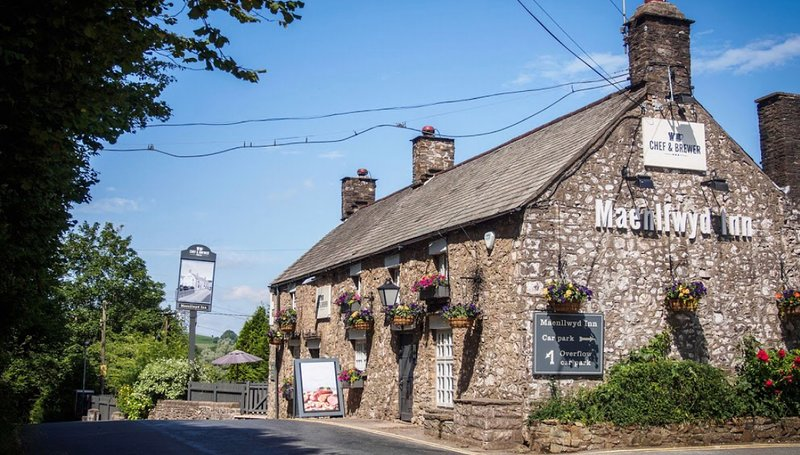 Nearby country pub/restaurant