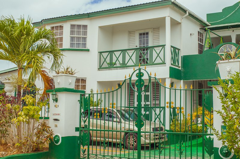 Cozy Apartments in Porters Saint James, holiday rental in Porters