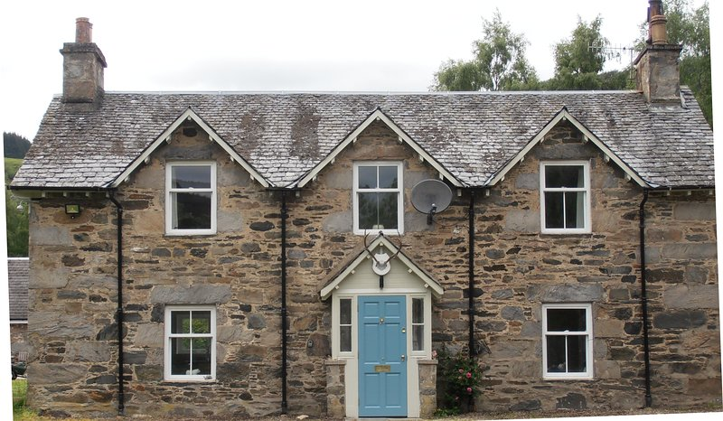 The Mill House, quirky period detached cottage in  a rural setting, holiday rental in Aberfeldy