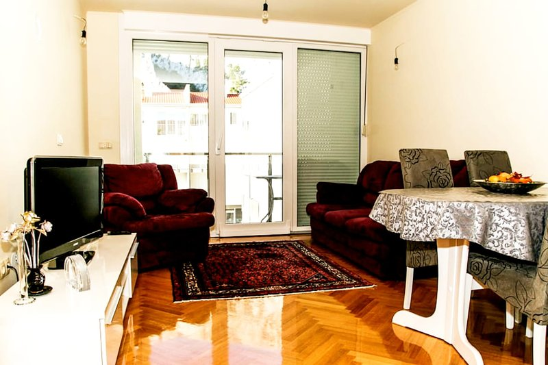 Apartment IRA, vacation rental in Omis
