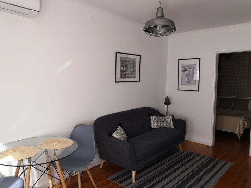 Al-Hamma Suites II - Alfama, vacation rental in Barreiro