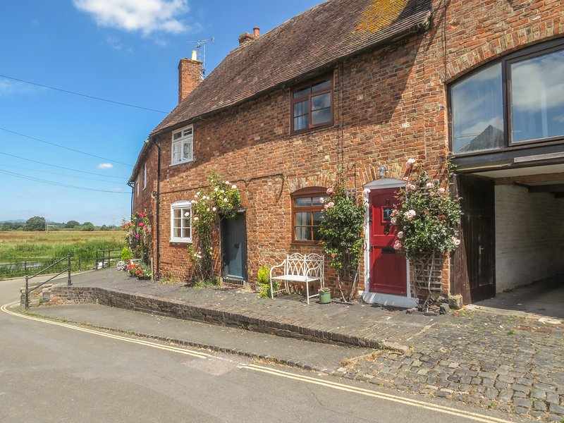 RIVER COTTAGE, WiFi, open-plan living in Tewkesbury, aluguéis de temporada em Tewkesbury
