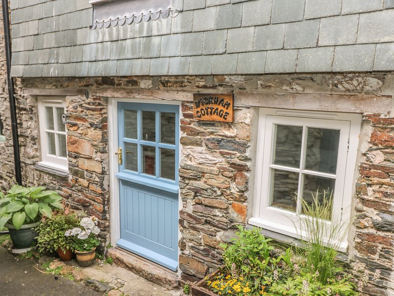 WICKHAM COTTAGE, romantic retreat, WiFi, in Calstock, vacation rental in Horrabridge