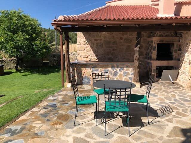Casa Rural el Escondite de Castroserna ⭐️⭐️⭐️⭐️, holiday rental in Sepulveda