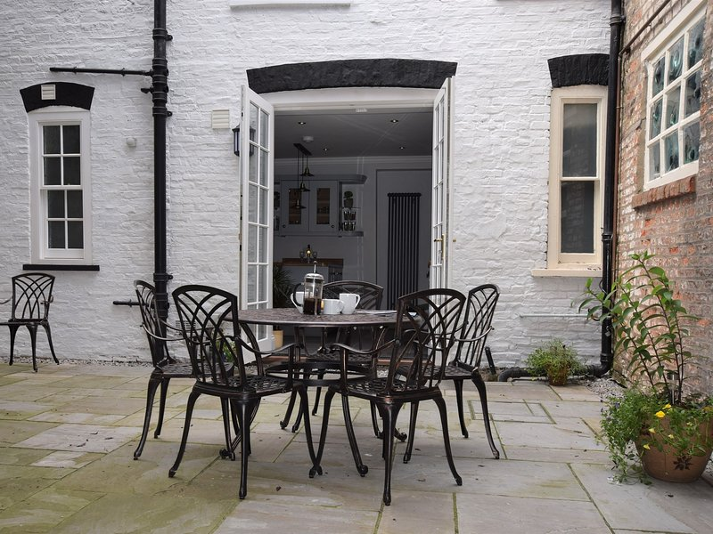 Alfresco dining for the family in the summer sun
